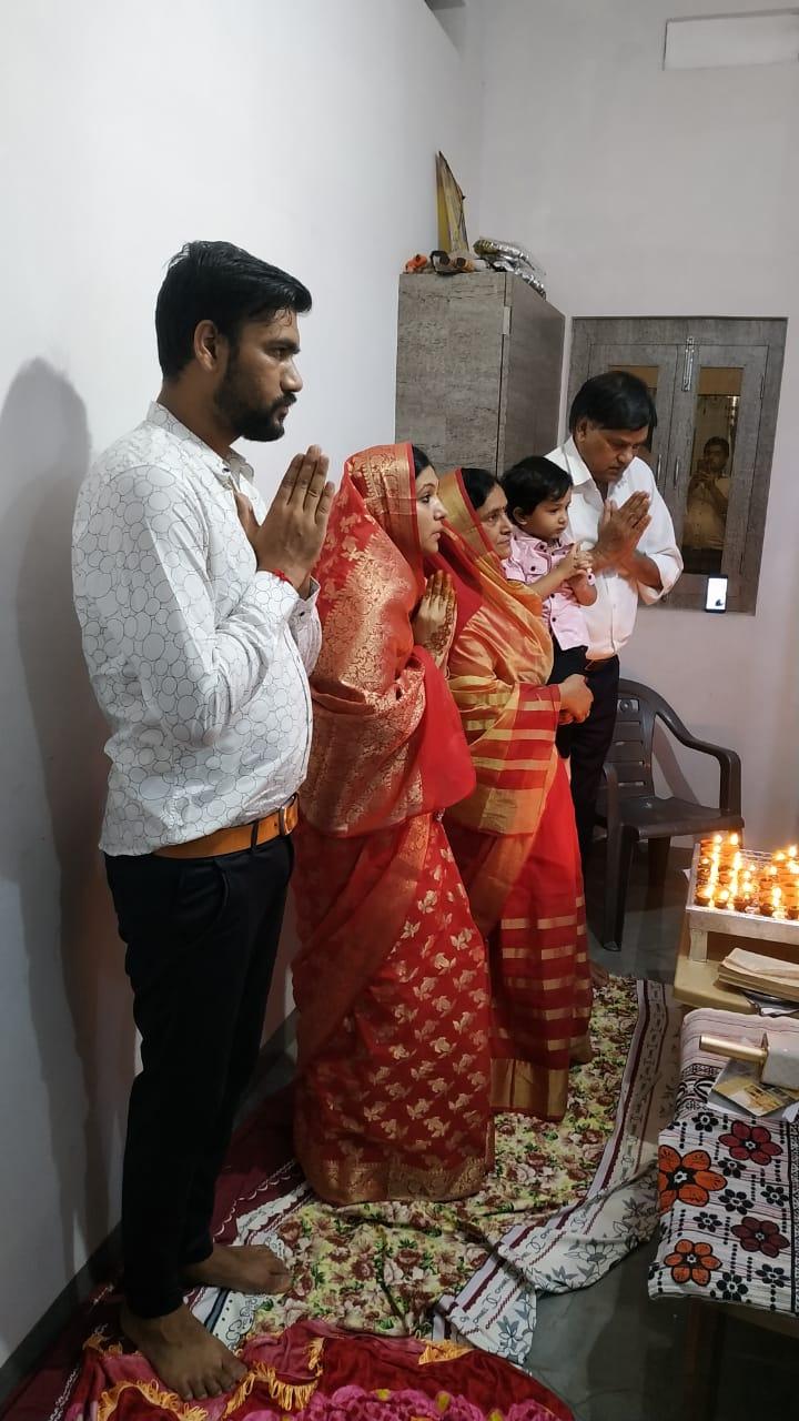 देश और दुनिया को कोरोना से निजात दिलाने के लिए विशेष पूजा जैन समाज द्वारा