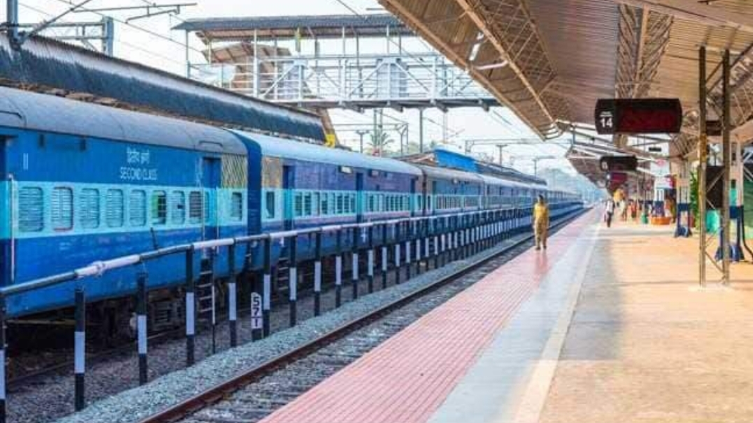 लॉकडाउन के दौरान मजदूरों को लाने के लिए राज्य सरकारों से किराया लेगी रेलवे